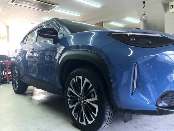 新車 ヤリスクロス 鎧壱式ガラスコートHYPER施工